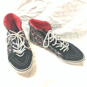 VANS X HELLO KITTY BLACK AND RED HIGH TOPS SIZE 10